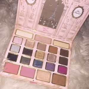 2015 collector edition too faced holiday palette